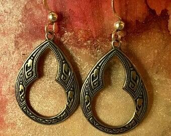 Boho Embossed Keyhole Pierced Earrings 14k GF