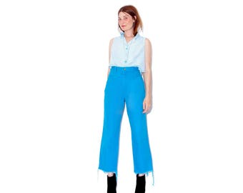 super rare FADED TURQUOISE BLUE wrangler jeans xs / colored jeans high waisted jeans cropped jeans frayed hem mom jeans 80s wranglers