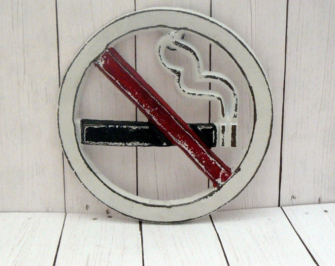 No Smoking Symbol Wall Sign White Red Black Shabby Chic Round Business Restaurant Plaque