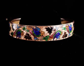 Antique bangle / Vintage GUILLOCHE enamel bracelet / bird cuff / chinese tourist jewelry / vintage bird bracelet / 8""