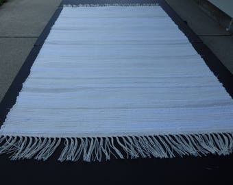 "Hand Woven Off White with Gray Accents 25"" x 34"""