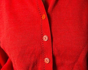 40% SUMMER SALE The Vintage Pastelton Red Sweater