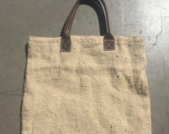 40% OFF The Beige Tan Linen Lined Summer Beach Tote Handbag