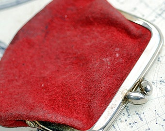 vintage leather change PURSE from an estate sale, red, coolvintage, holding treasures, keeping secrets, money safely, looks great, UA