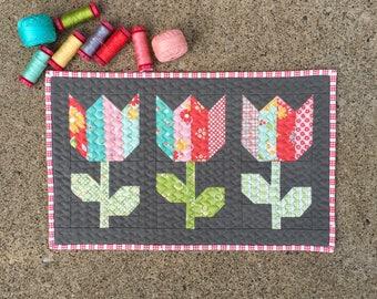 Tulip quilt | Etsy : tulip quilts - Adamdwight.com