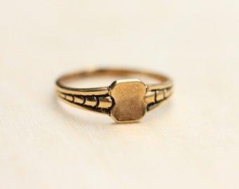 Gold Shield Ring, Gold Signet Ring, Signet Ring, Size 7