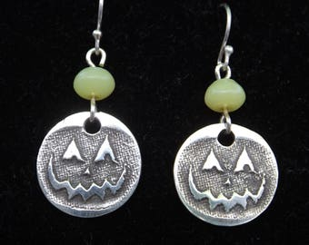 Halloween Jack O Lantern earrings, Halloween Pumpkin earrings, Cute Halloween jewelry, Octoberfest earrings, Jack O Lantern jewelry