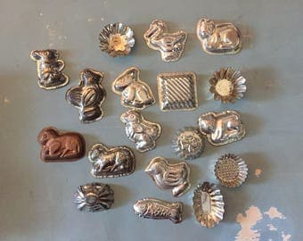 Lot of 18 vintage baking molds animals and more
