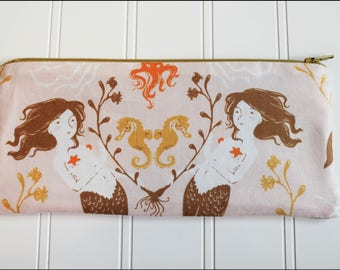Mermaid Show Zipper Pouch (Padded)