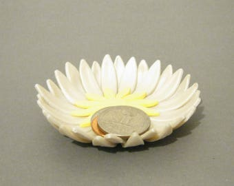 White Pearl Daisy Ring Dish - Flower Trinket Dish - 3 Inch Diameter - Jewelry Storage, Flower Trinket Dish, Polymer Clay Ring Dish