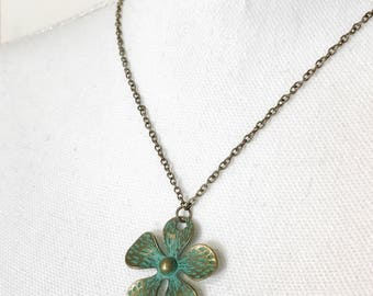 Turquoise patina flower necklace