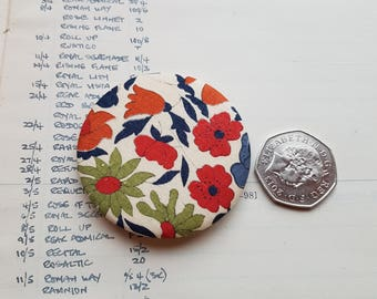 Liberty Fabric Lapel Pin - Simple Chic Accessory - Liberty London Fabric Brooch - Liberty Fabric Brooch - Pinback Button - Classic Style