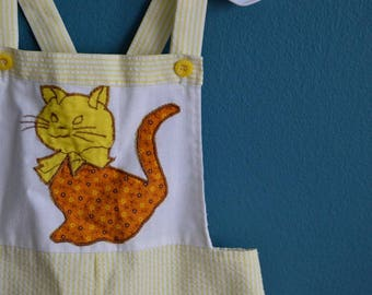 Vintage Toddler's Yellow and White Seersucker Shortalls with Cat Applique - Sized 12-18 Months