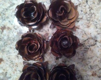Small Metal Roses | Set of 6 | Rusty Roses | Rustic | Farmhouse | FREE USA SHIPPING | FleurDeLisJunkie | Supplies | Western | French Country