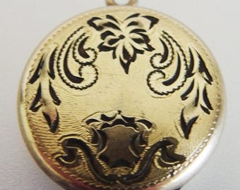 ON SALE Pretty Vintage 12K Yellow Gold Filled Locket