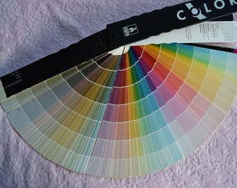 SHERWIN WILLIAMS PAINT Samples Color Wheel 2001 Fan Deck Paper Chip Swatch Book Crafting Interior Designer Contractor Display Discontinued