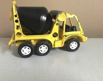 Vintage Hubley Toy Cement Truck