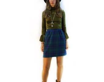 Vintage Pendleton wool plaid mini skirt with pockets // size 6 small