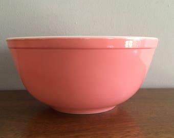 pyrex flamingo pink mixing bowl 403