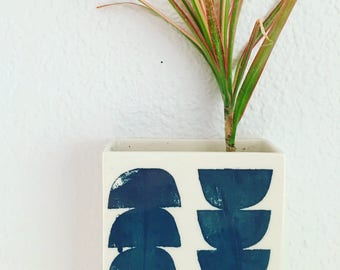 small porcelain planter / wall vase screenprinted pattern half moons blue.