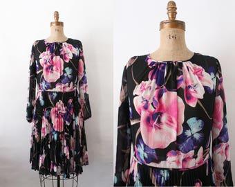 vintage floral violet print 70s dress - 1970s sheer day dress - accordion pleat full skirt - large xlarge - secretary dress