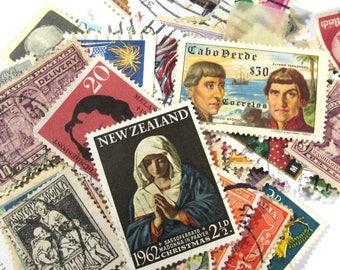 1000 International Postage Stamps Philately Assorted Lot Collage Art Supplies Scrapbook Paper Ephemera Vintage Paper (L333)