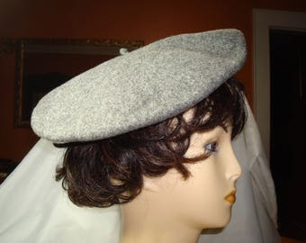 Vintage BETMAR of NEW YORK 100% Gray Wool Beret.