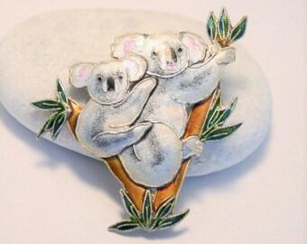 Vintage sterling silver and enamel koala brooch. Vintage Zarah brooch. Vintage jewellery. Mother and baby koala brooch
