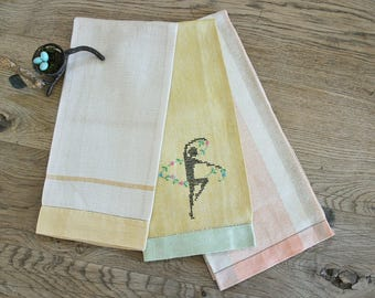 3 Vintage Linen Tea Towels