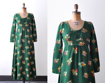 1970 dark green dress. Maxi. Colorful floral print. 70's boho dress. Empire waist. S.