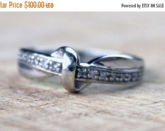 ON SALE Vintage Ladies Diamond Engagement Ring Bow White Gold 9ct 9k 9kt 375 FREE Shipping Size R.5 / 9