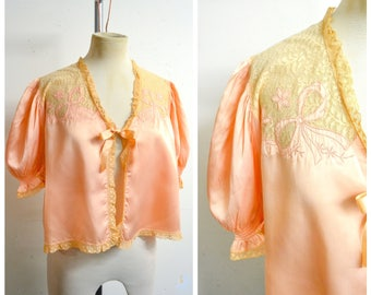 1930s 40s Peach satin & embroidered bow lace bedjacket / 1940s 30s puff sleeve summer bed jacket - M L XL