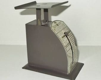 Vintage 1940's or 1950's IDL Deluxe Thrifty 1 Pound Postal Scale-GOOD Condition-Painted Gray Tin