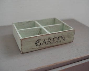 Miniature shabby crate 1:12th scale