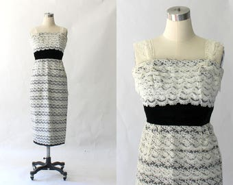 1950s Convertible Lace Dress // 50s Vintage Strapless Off-White Tiered Lace Midi Straight Formal Dress // Small