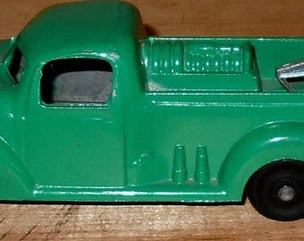 Green Tow Truck - Die Cast (?) - Tow Truck - Toy - Collectable