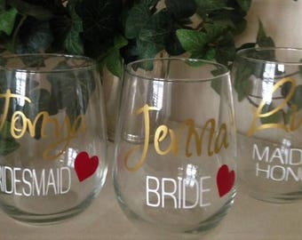 Personalized Wine Glasses, Bridesmaid Wine Glass, BRIDAL Party Glasses, Attendants Glasses, GIFT WRAPPED