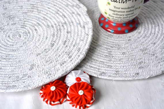 White Holiday Decoration, Silver Snowflake Trivet Set, 2 Handmade Hot Pads, Silver Place Mats, Christmas Decoration, Potholders