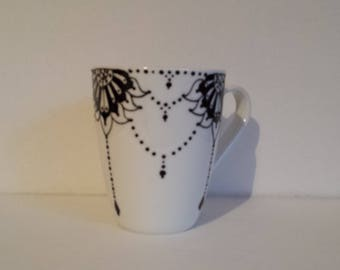 Handpainted needle lace handpainted on a wonderfull ceramic mug
