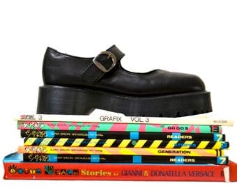 Amazing 90s Black Dr. Martens Size 9 9 1/2 Women Size Mary Jane// Vintage Mary Jane Docs SIze 9 9 1/2 Made In England Size 6 7 UK