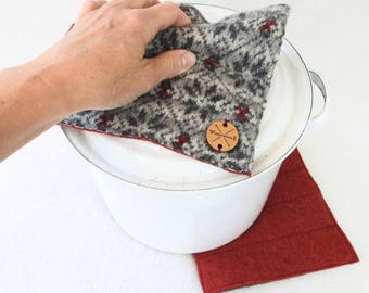 Wool Hot Pads / Pot Holders GRAY & RED Snowflakes Nordic Sweater Wool Eco Kitchen Felt Hotpads Housewarming Foodie Eco Gift by WormeWoole
