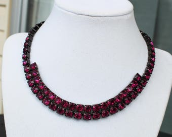 Vintage Magenta Rhinestone Glass Necklace in Japanned Setting 1960s