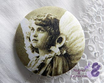 Fabric button  printed retro angel, 1.57 in / 40 mm