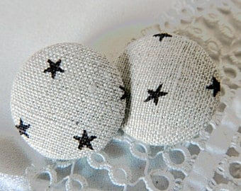 Button in beige linen with stars, 24 mm / 0. in 94
