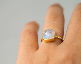 Rainbow Moonstone Ring Gold, June Birthstone Ring, Gemstone Ring, Stacking Ring, Silver Ring, Cushion Cut Ring, Unique Ring, Gift for Her