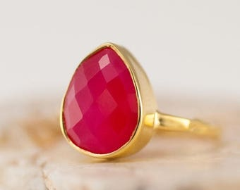 40 OFF - Fuchsia Pink Chalcedony Ring - Gemstone Ring - Stacking Ring - Gold Ring - Tear Drop Ring