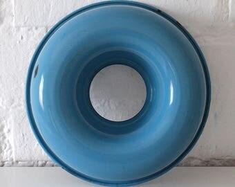 Vintage Blue Enamel Mould - Rustic Enamelware - Vintage cake Mould - Blue White Enamel - Vintage Kitchen -  Danish blue kitchen décor