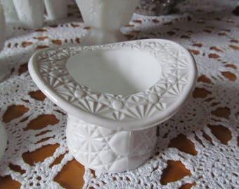Fenton Top Hat Daisy & Button Milk Glass Vintage Milkglass