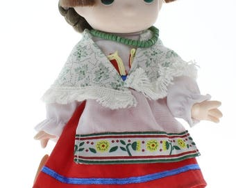"""Children of the World Precious Moments Doll 9"""" Angelina Italy"""