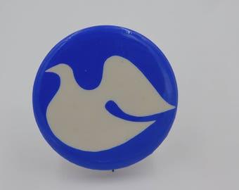 Vintage 1960's 70's Vietnam War Era Protest Pin back Button Peace Dove    dr62